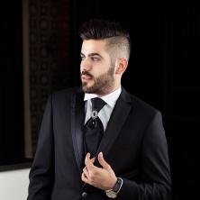 חליפת חתן בצבע שחור