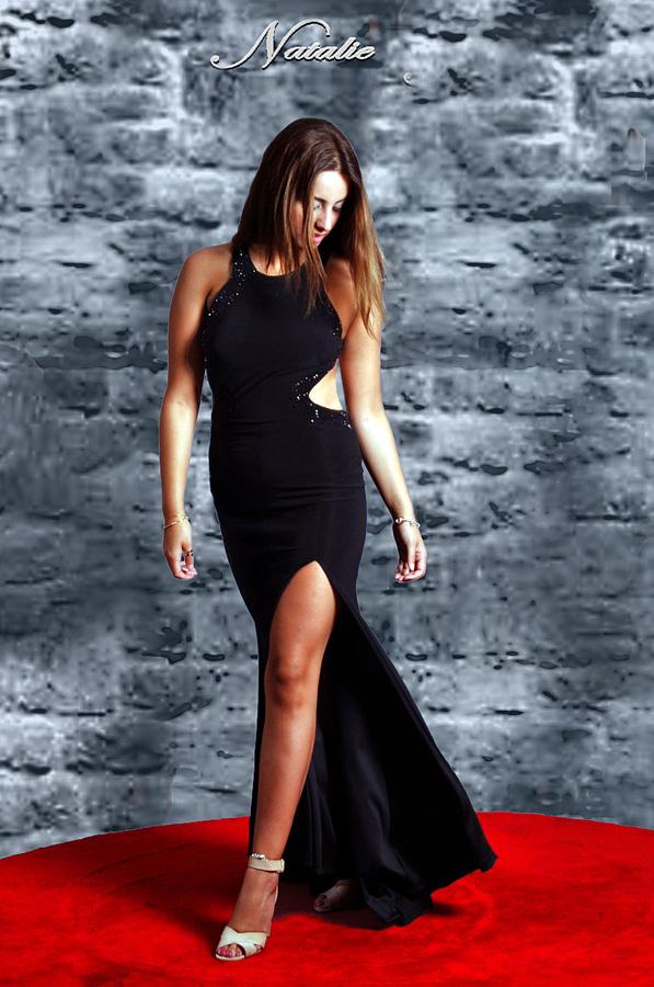 שמלת ערב שחורה שסע