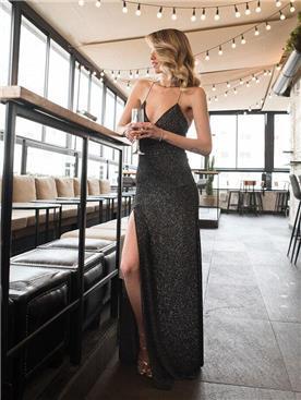 שמלה עם שסע