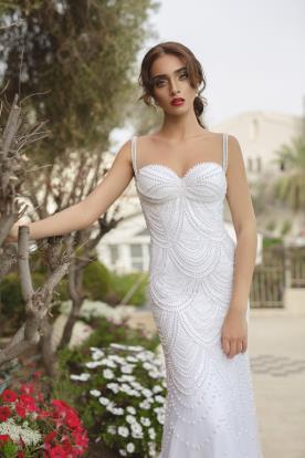 שמלת כלה עם כתפיות פנינים