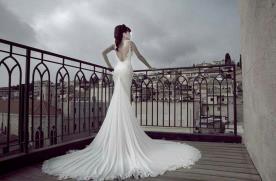 שמלת כלה עם שובל משי ארוך