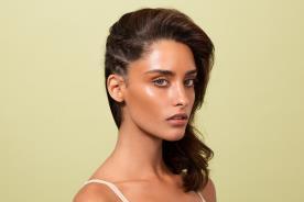 שיער ואיפור למראה מודרני
