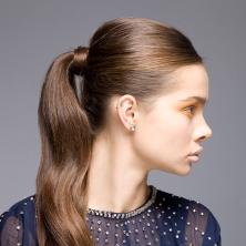 שיער אסוף בקוקו מתוח