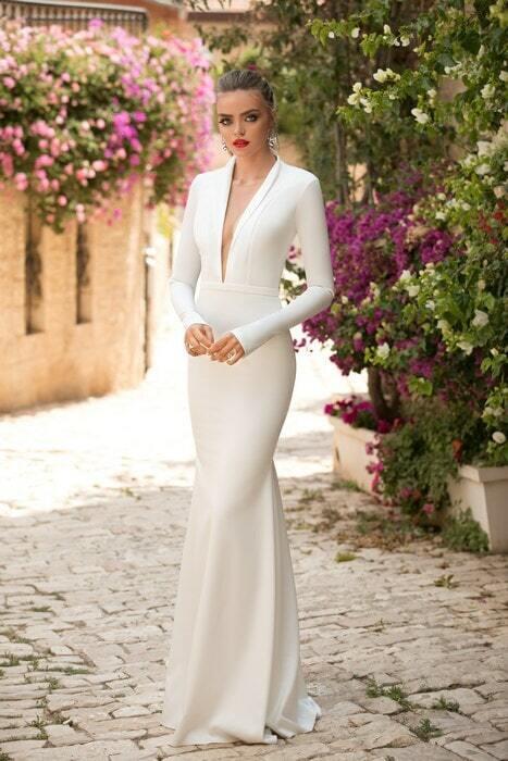 מעצבת שמלות ערב