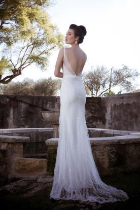 שמלת כלה רומנטית נוצצת