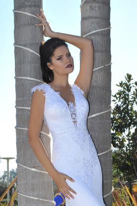 שמלת כלה אלגנטית צמודה