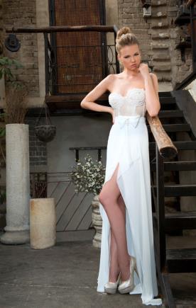 שמלת כלה עם מחוך למראה רומנטי