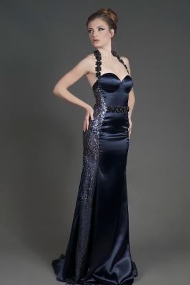 שמלת ערב קולר למראה קלאסי