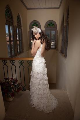 שמלת כלה תחרה מדורגת בסגנון בוהו