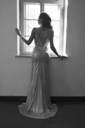 שמלת ערב כסופה עם גב פתוח