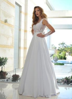 שמלת כלה נסיכותית עם עיטורים