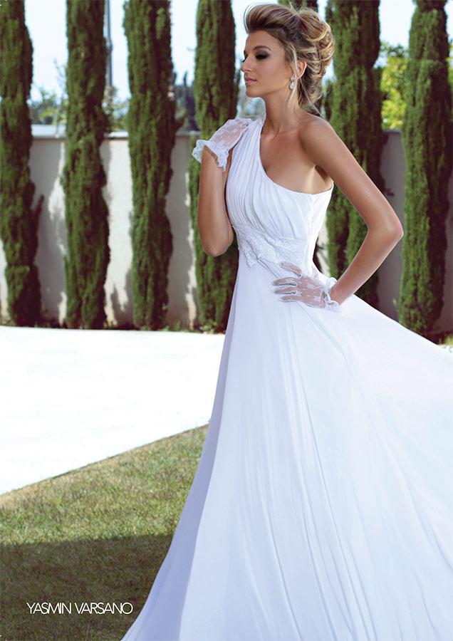 שמלת כלה אסימטרית בגזרה קלאסית