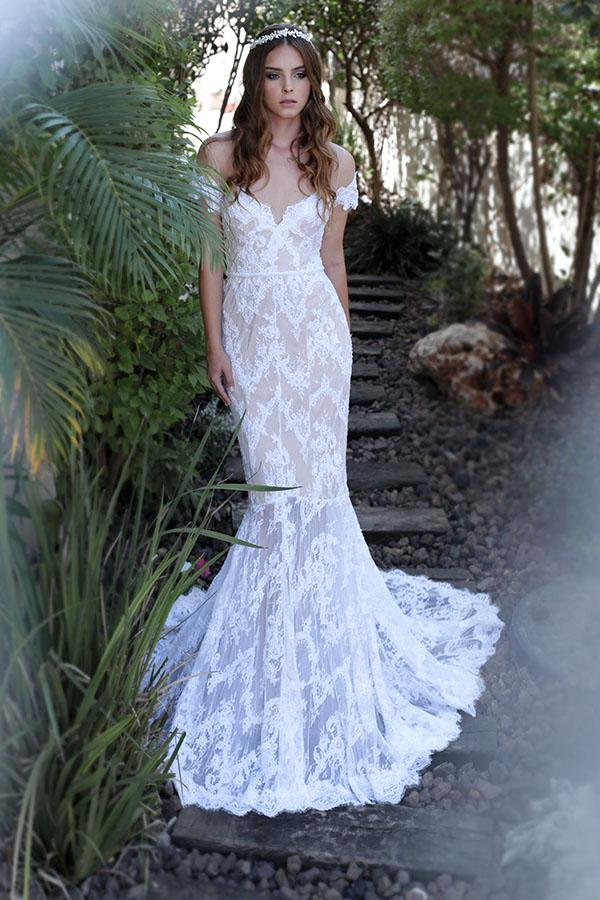 שמלת כלה בגזרה קלאסית רומנטית