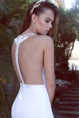 שמלת כלה עם גב חשוף מודרני