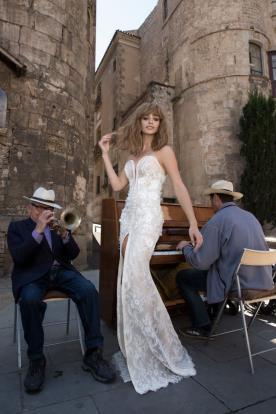 שמלת כלה מקסי בגזרת סטרפלס