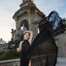 שמלת ערב שחורה בדגם קולר