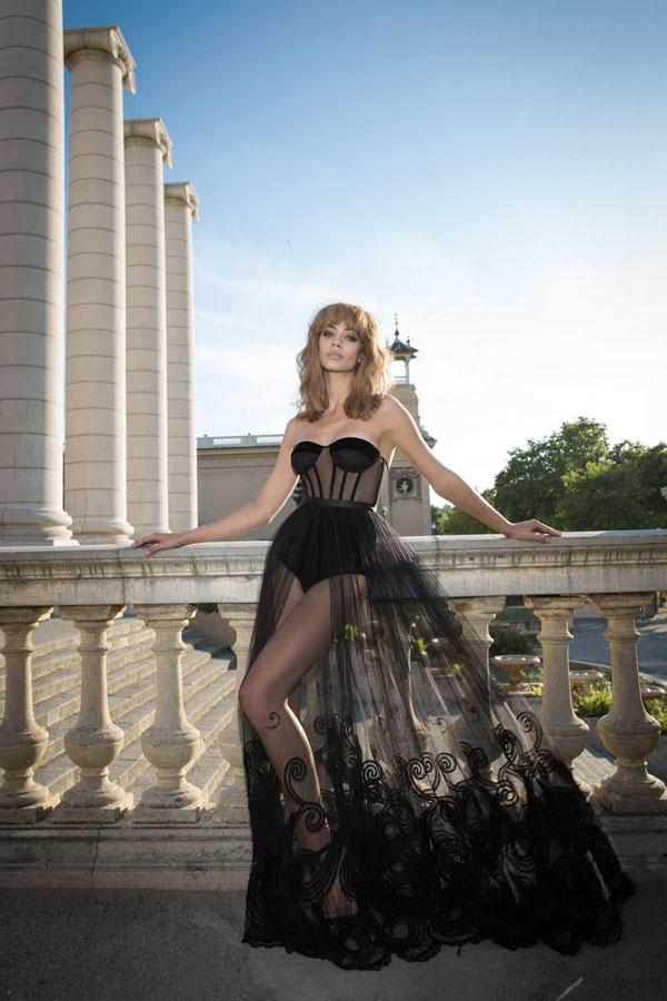 שמלת ערב נועזת עם מחוך