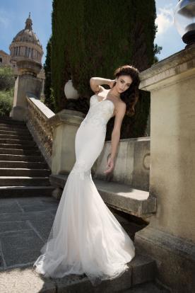 עיצוב רומנטי וקלאסי לשמלת כלה