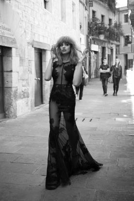 שמלה שחורה נועזת לערב