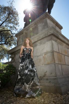 שמלת ערב עם הדפס מודרני