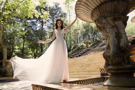 עיצוב רומנטי וחושני לשמלת כלה