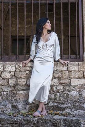 שמלה כלה עם כתפיים חשופות