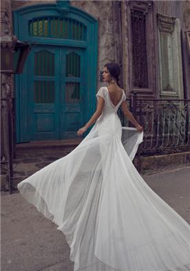 שמלת אופנתית