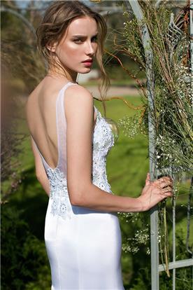 שמלת כלה מעניינת
