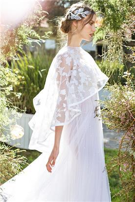 שמלה בבד טול עם עליונית תחרה