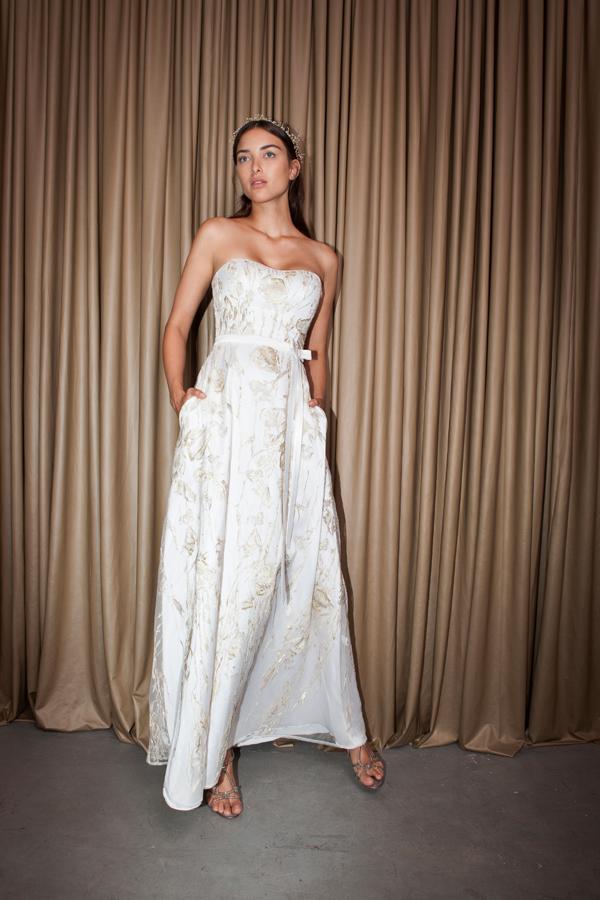 שמלת כלה סטרפלס אורגנזה פרחונית