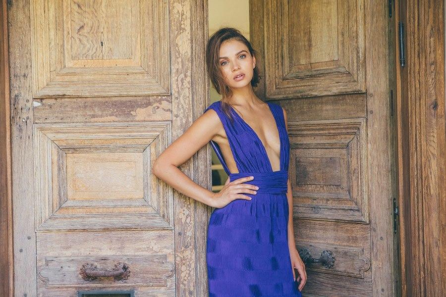 שמלת ערב אלגנטית ומרשימה
