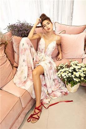 שמלה פרחונית נועזת