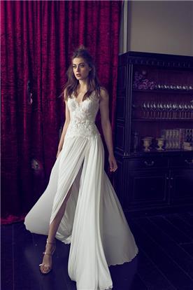 שמלה אלגנטית עם שסע