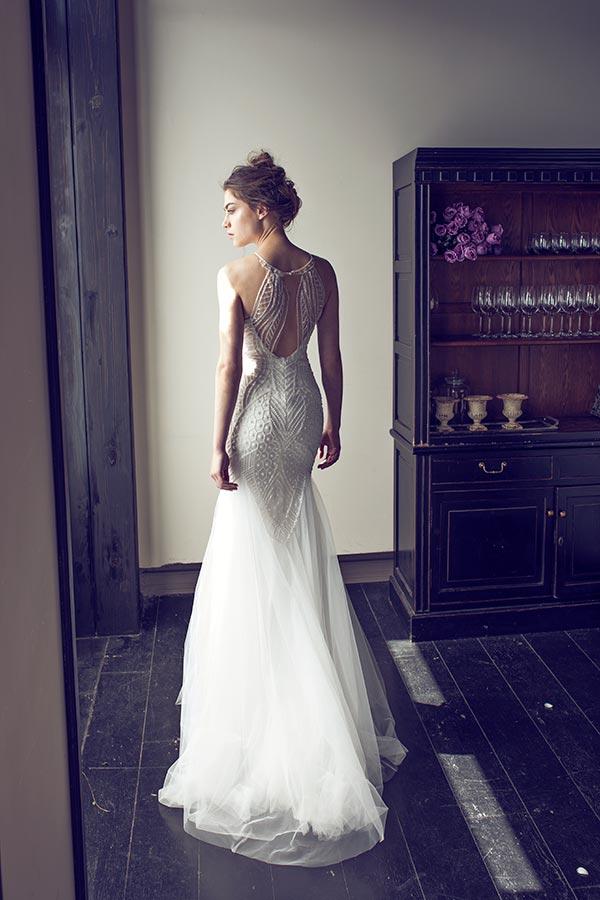 שמלת כלה מעוטרת חרוזים