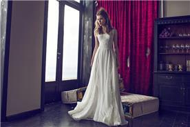 שמלה עדינה מיוחדת