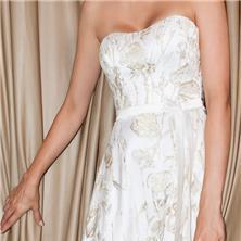 שמלת כלה עם דוגמת פרחים לכל אורכה