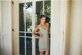 שמלת מיני עם גב חשוף