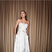 שמלת כלה מבד בדוגמה מיוחדת