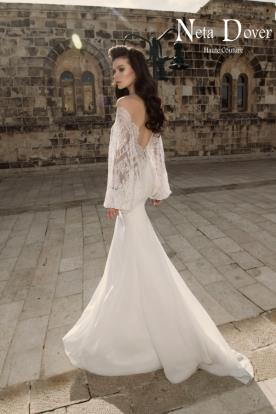 שמלת כלה שרוולי תחרה רחבים