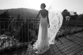 שמלת כלה צווארון קולר