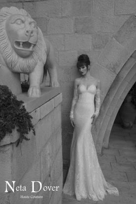 שמלת כלה מחוך ושרוולים שמוטים