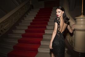 שמלת ערב מחורזת שחורה קצרה