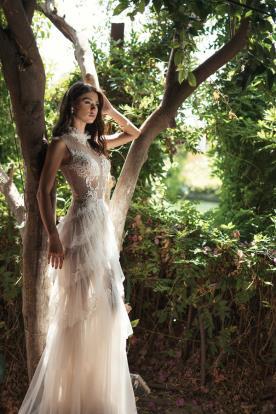 שמלת כלה בשילוב מלמלות מבד טול