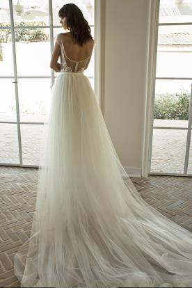 שמלת כלה עם גב חרוזים וחצאית טול