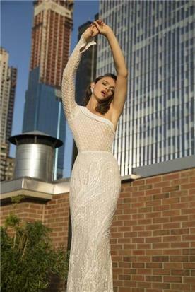 שלומית אזרד - מעצבת שמלות ערב