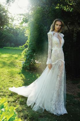שמלת כלה עם שרוולי מלמלה ארוכים
