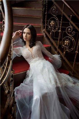 שמלת כלה: קולקציית 2016, שמלה בסגנון קלאסי, שמלה עם תחרה, שמלה עם שרוולים, שמלה בצבע לבן - shlomit azrad haute couture- שלומית אזרד