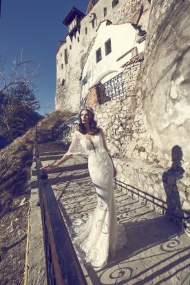 שמלת כלה בדגם בת ים עם עליונית רשת