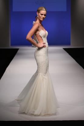 שמלת כלה בת ים בשילוב טול וחרוזים