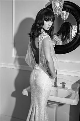 שמלת כלה: קולקציית 2016, שמלה בסגנון קלאסי, שמלה עם תחרה, שמלה עם גב חשוף, שמלה בצבע לבן - shlomit azrad haute couture- שלומית אזרד